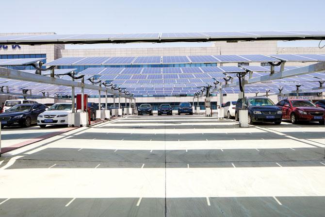 Solar-Power-car-lot